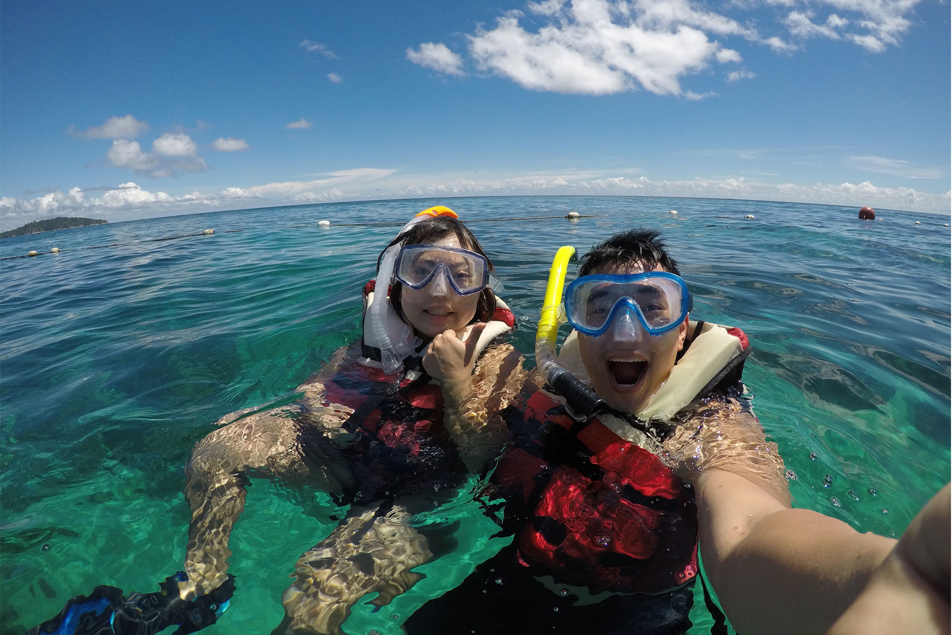 Snorkeling at Koh Lipe with beautiful weather and having fun!