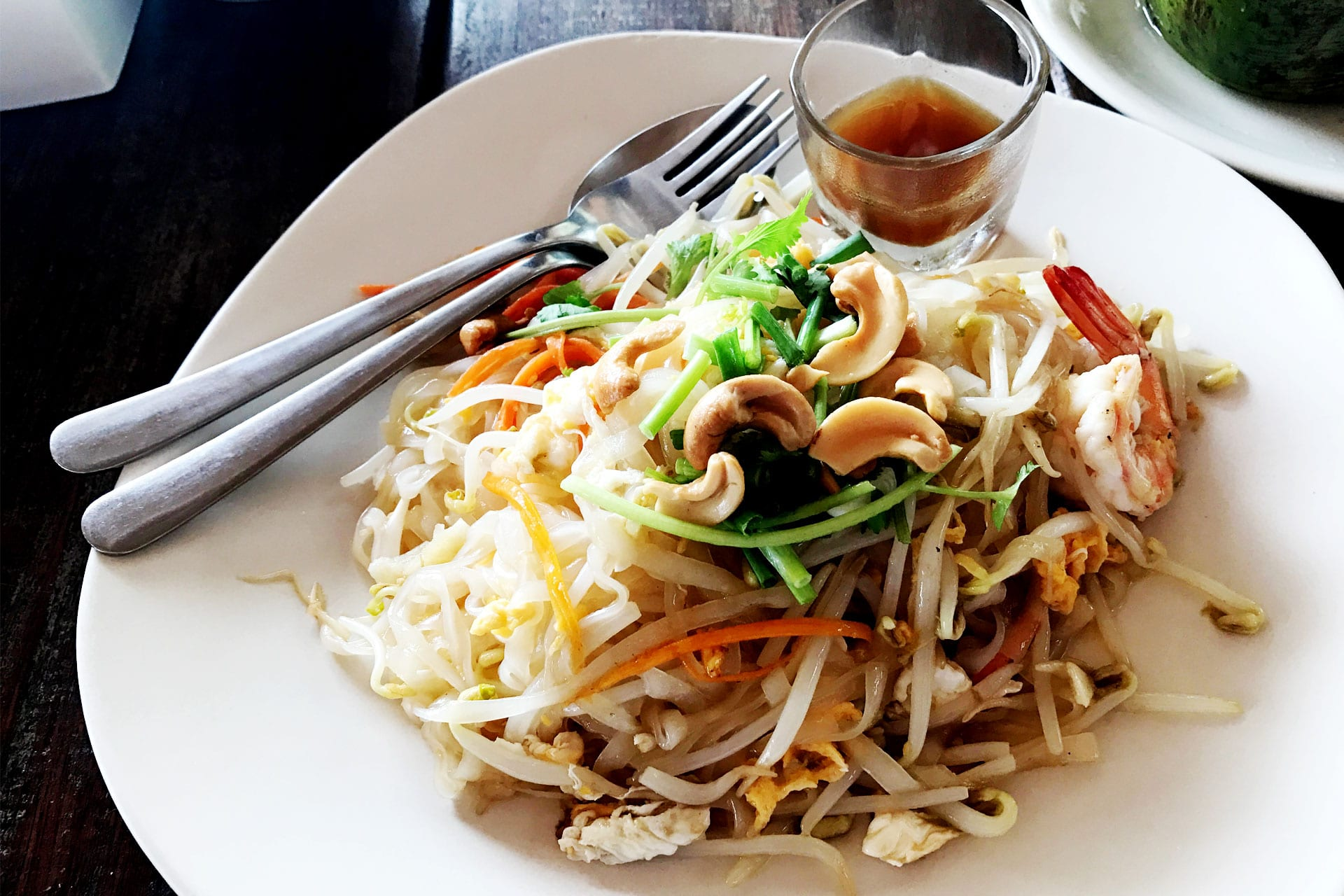 Sunrise Beach Restaurant Padthai
